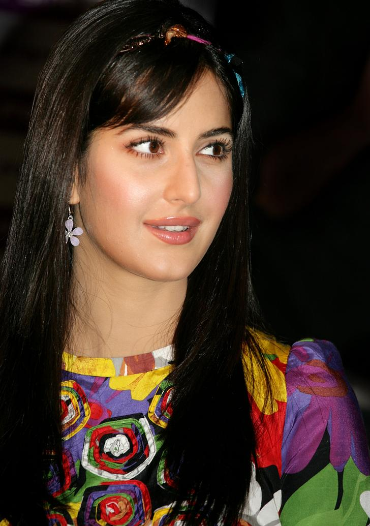 latest images of katrina kaif. The song, which has been picturised on Katrina Kaif, marks her debut in
