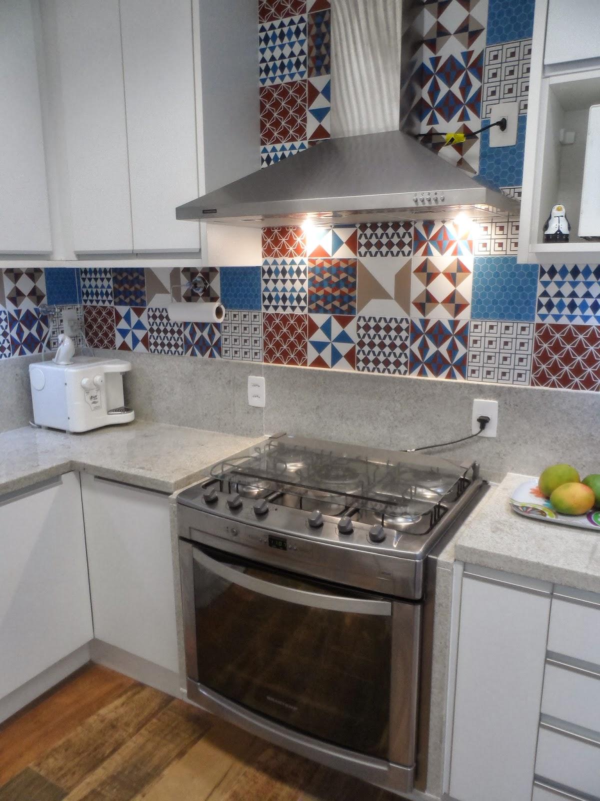 Reforma de cozinha área de serviço e dependências de empregada na  #2F4663 1200 1600