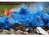 Aktivis Lingkungan Surabaya Serukan Batasi Pemakaian Kantong dan Botol Plastik
