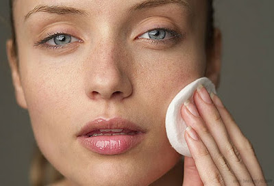 The best tonic astringent for oily skin