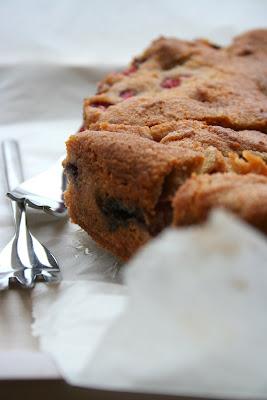 Ciasto z truskawkami i szczyptą cynamonu (Strawberry and cinnamon torte)