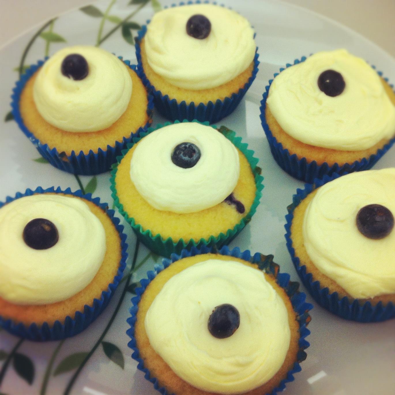 http://weekend-mummy.blogspot.com.au/2012/10/step-into-spring-cupcakes.html