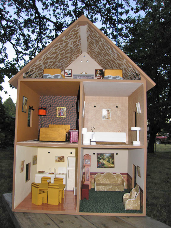 Dollhouse Decorating A Completed Playable Lighted Wooden Doll House