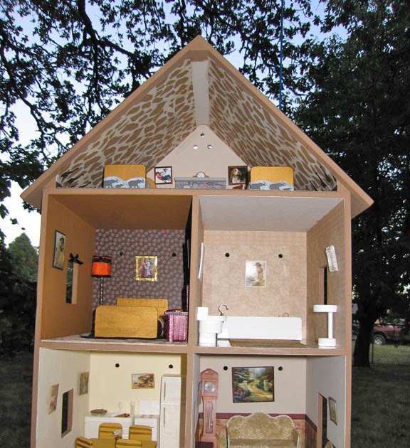 Dollhouse Decorating!: A Completed Playable Lighted Wooden