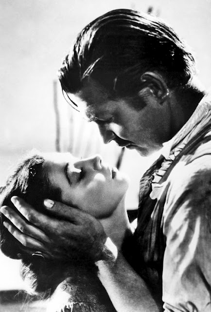 Vintage lovers Scarlett O'Hara and Rhett Butler in 1939 film Gone With The Wind