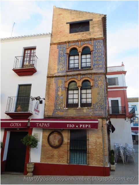 Bar en la plaza de San Fernando