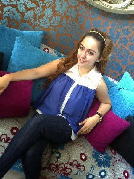 387235 4640546051716 464079819 n Foto hot sexy Regina Andriane Saputri jubir farhat abbas