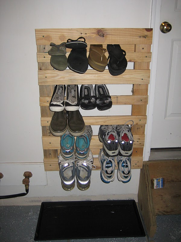 Pallet Wood Shoe Rack