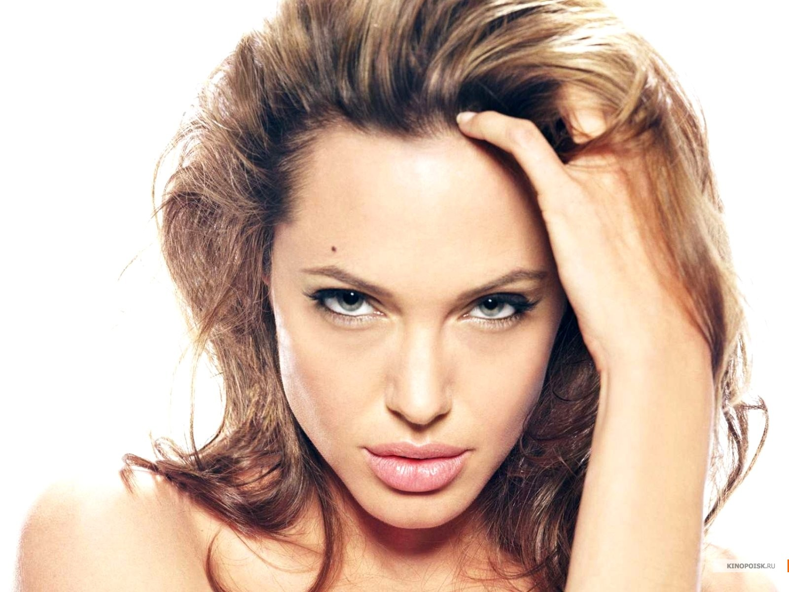 http://1.bp.blogspot.com/-HN6d6mk-O60/TkVpDP12beI/AAAAAAAAAYQ/WN8xe5Q7hbM/s1600/Angelina+Jolie+Hot+Wallpaper%252CPhoto+%2526+Images+%25285%2529.jpg