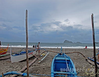 Pundakit beach in Zambales