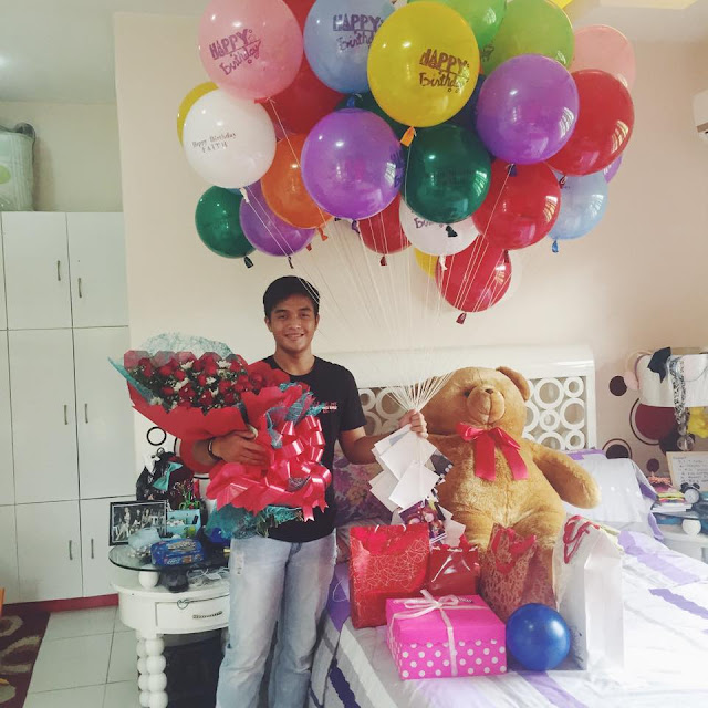 Luckiest girl in town, surprised by her boyfriend on 17th birthday ...