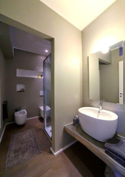 Interior relooking come arredare un bagno piccolo - Nicchie in bagno ...
