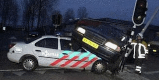 funny picture Dutch police on the spot