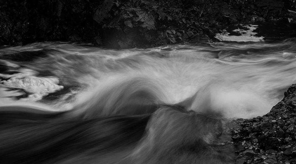 bølge, wave, river, elv, sort hvitt, black and white