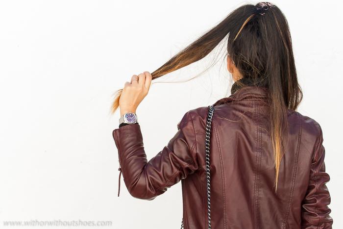 BLogger de moda de Valencia con chaqueta de cuero y accesorios de lujo reloj Rolex