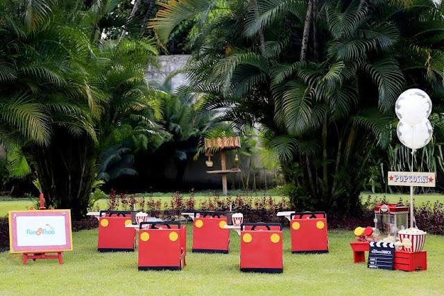 Carrinhos e telão para criança em Recife