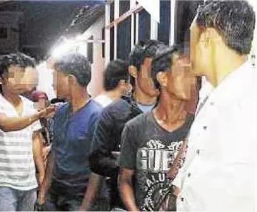 Kantoi Jual MyKad Palsu, 2 Kakitangan Jabatan Pendaftaran Negara Ditangkap - Terbakor