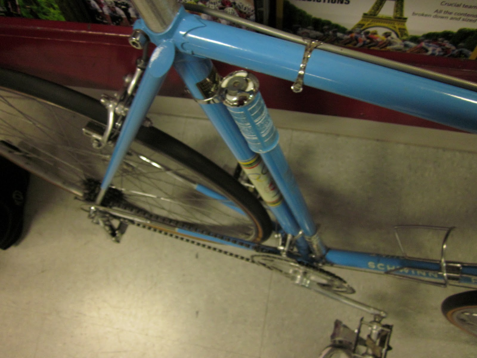 the silca frame pump colored to match is a lovely touch and something you only see on fully custom frames anymore