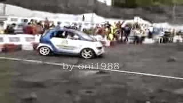 Smart extrême, la petite voiture qui en a dedans