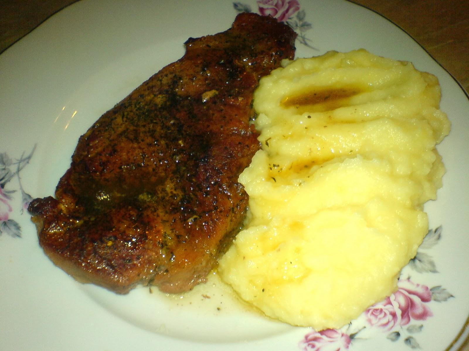 retete culinare, preparate culinare, friptura de porc, retete de mancare, friptura cu piure de cartofi, retete cu porc, retete si preparate culinare cu carne de porc, friptura la cuptor, retete cu cartofi,