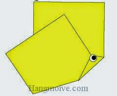 Bước 6: Vẽ mắt để hoàn thành cách xếp con bướm bằng giấy origami đơn giản.