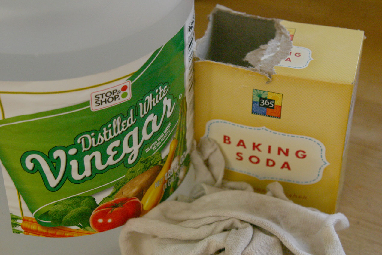 Olivia Cleans Green Vinegar Baking Soda Bffs Not So Much