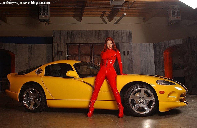 http://1.bp.blogspot.com/-HOMo-LQg4_w/T2H4zQoAlaI/AAAAAAAAAvg/KpkeEb1KJLQ/s1600/dodge-viper-autos-deportivos-mujeres-veloces-rapidos-amarillo-wallpapers.jpg