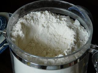 Contrôler le diabète : Commencer à éviter la farine blanche, le sel blanc, le thé et le café