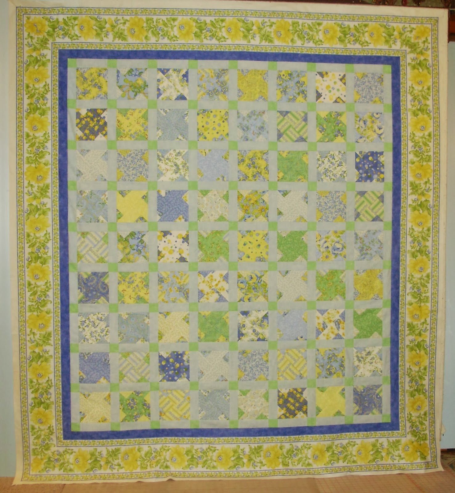 Everyone Deserves a Quilt: Tip Tuesday - Mitered Borders (A Day Late and a Dollar Short)