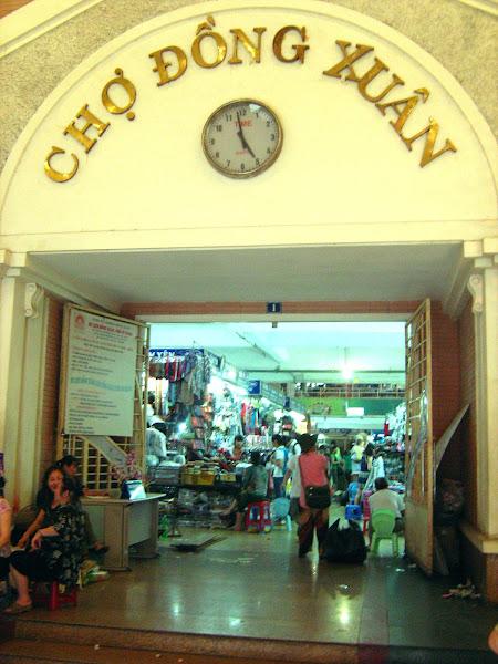 Dong Xuan Market - Hanoi - Vietnam