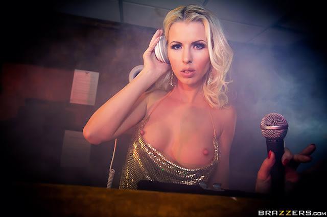 Lynna Nilsson - Pulse Part Two (Pornstars Like it Big)