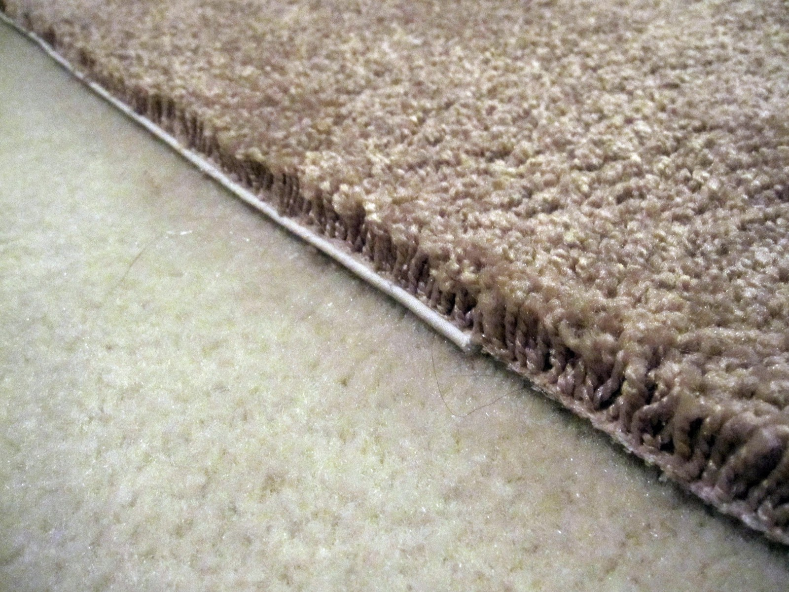 Broadloom Carpet Edge  Raw/unfinished