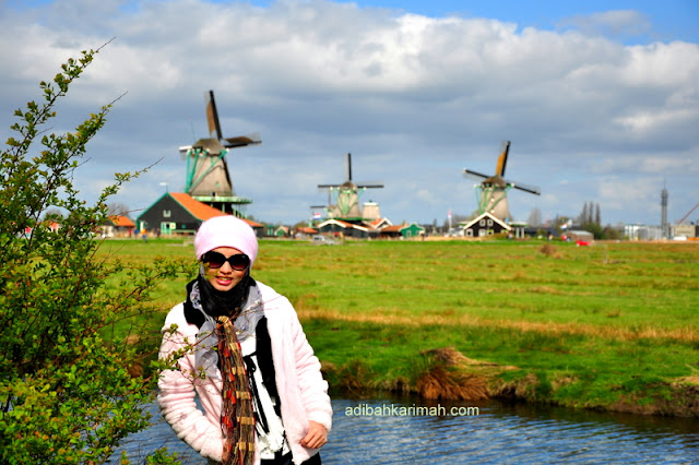 Visit zaanse schans and volendam village during free trip to holland and belgium from premium beautiful business with beautiful background