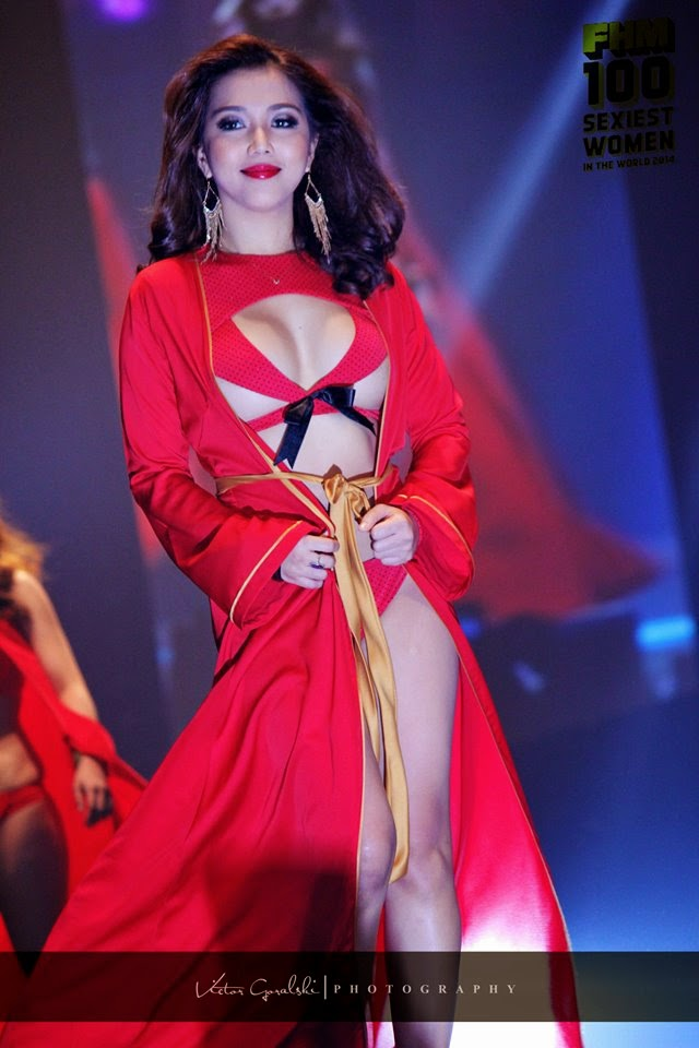 naked models at 2014 fhm victory party 04