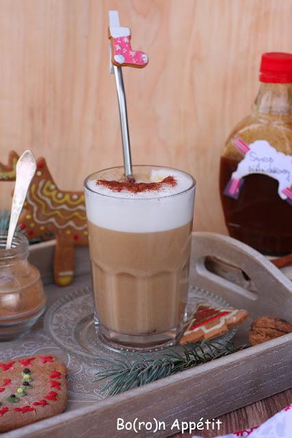 kawa z syropem piernikowym