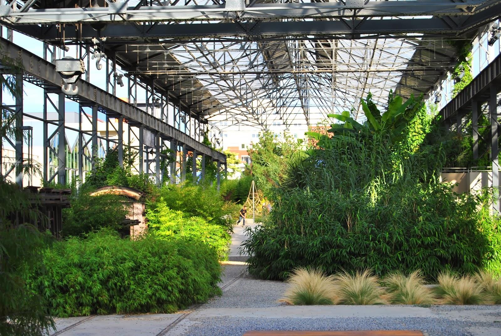 Paradis express jardin des fonderies nantes for Jardin interieur
