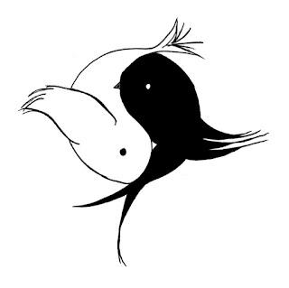 Dois passarinhos, um preto e um branco, formando o Ying-Yang.