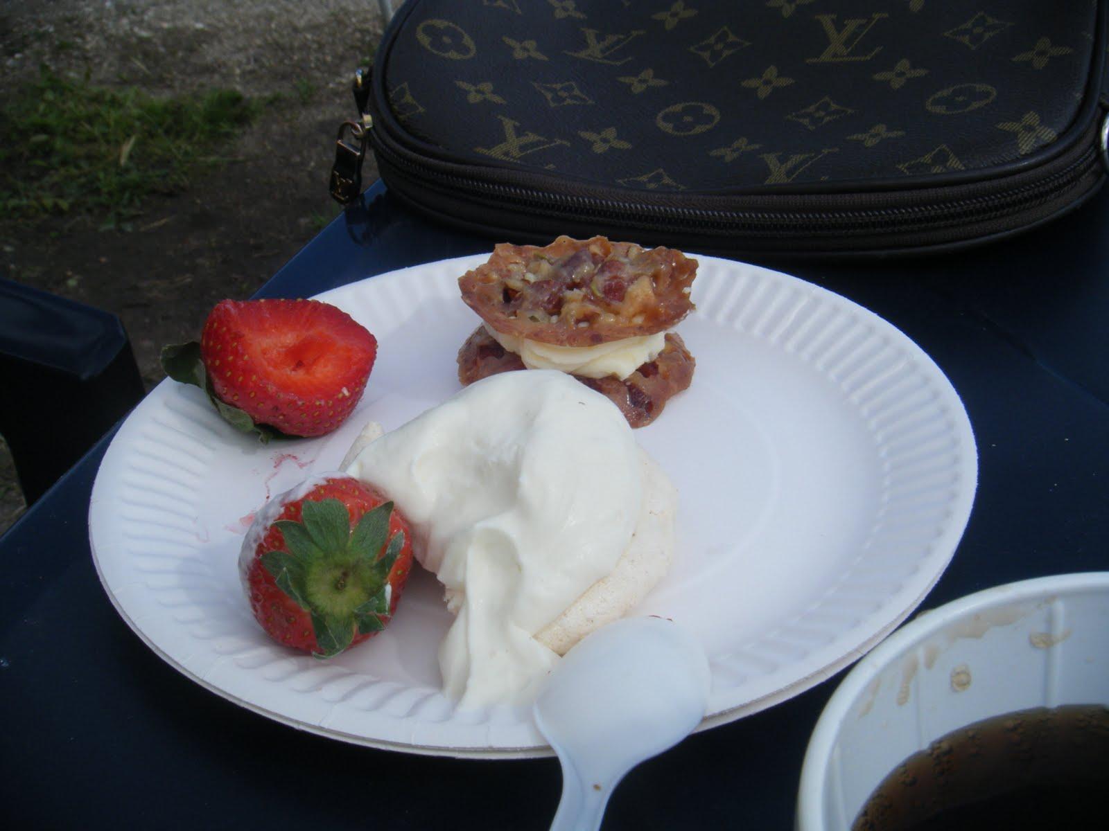 hvid ganache med jordbær