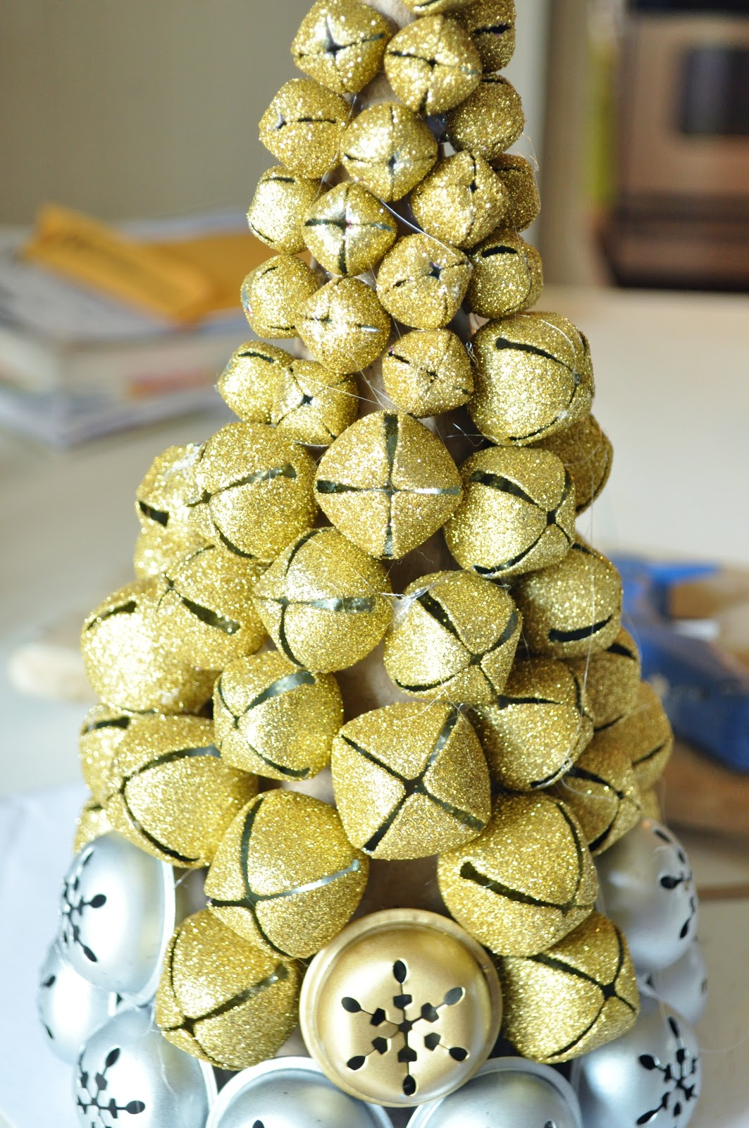 Make a jingle bell tree.... - Jennifer Rizzo