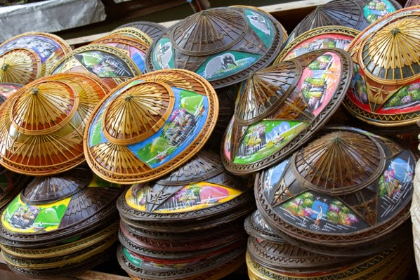 ماذا تشتري من تايلاند ؟