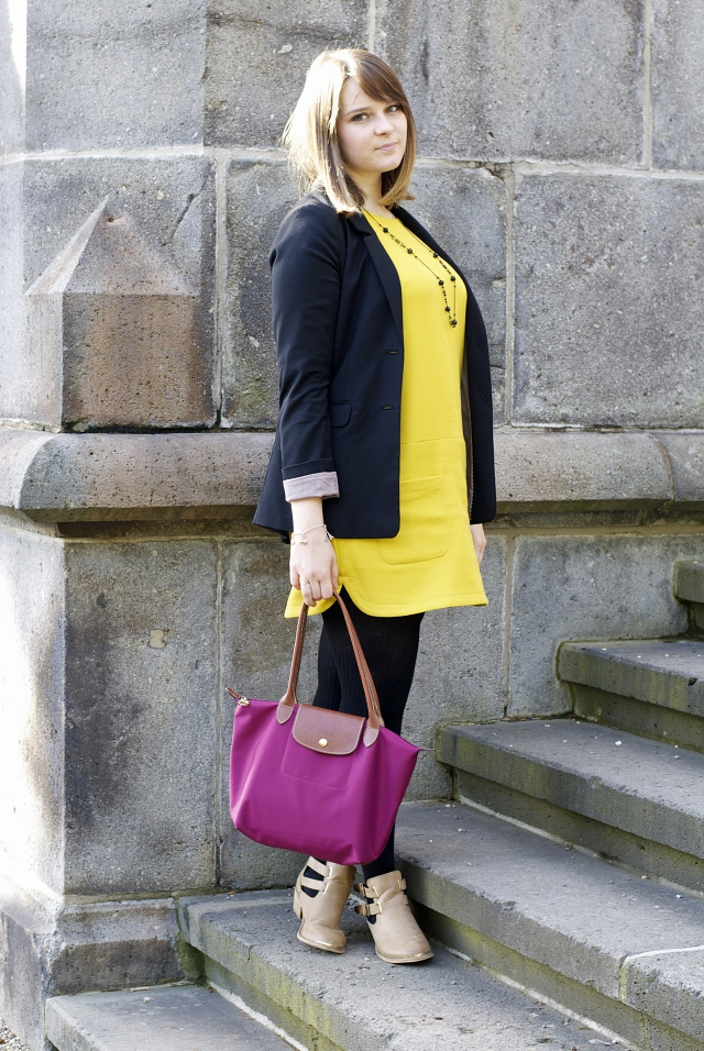 ootd yellow dress