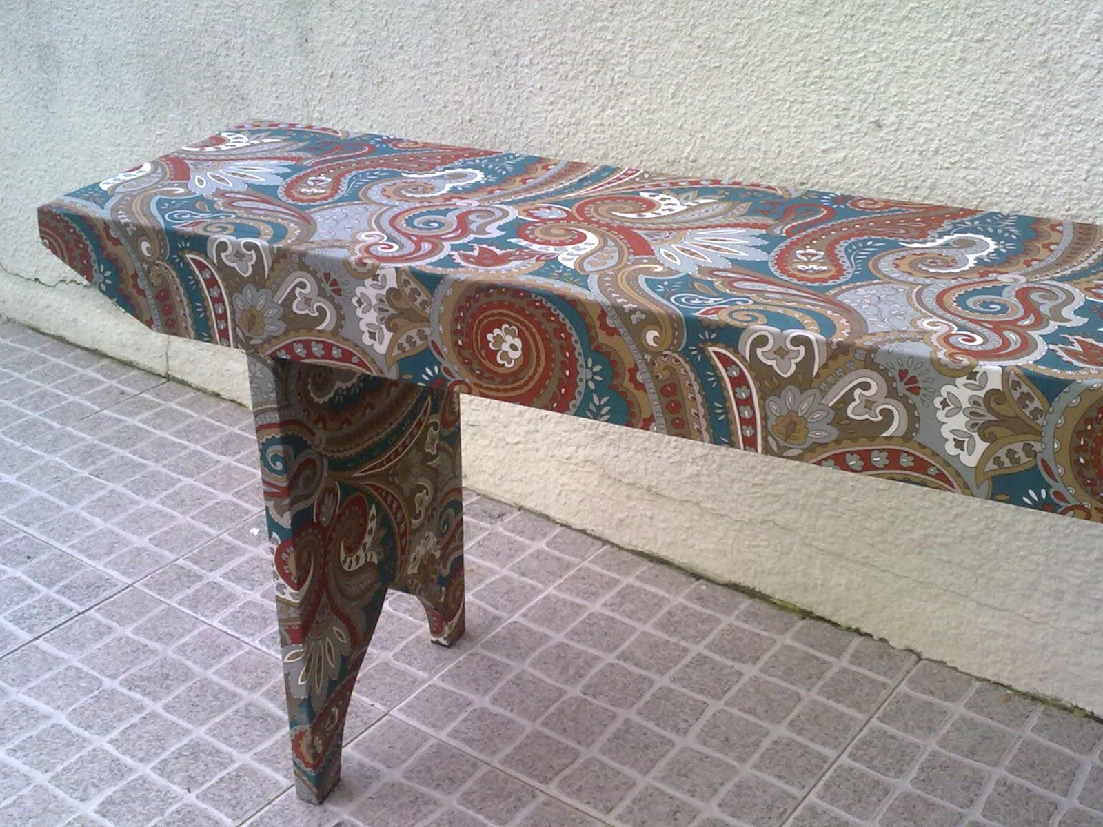 Coisas da Mãe Susana: Um banco de madeira encapado a tecido #62453A 1600x1200