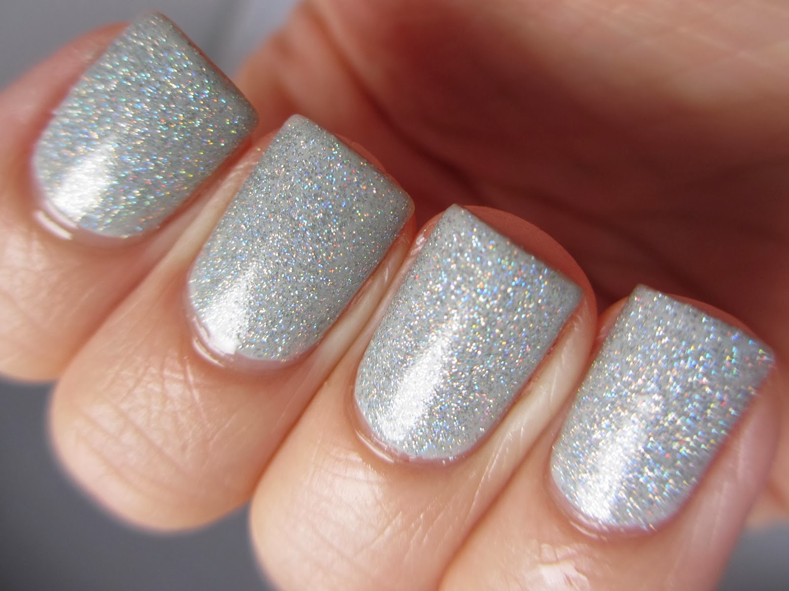 Claire's-silver-holographic-swatch