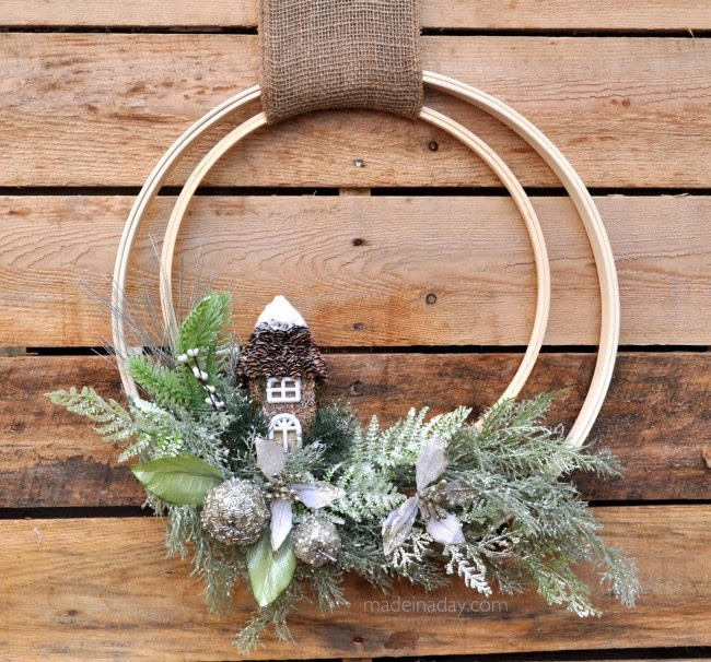 winter-holiday-woodland-wreath diy