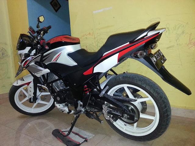 Modifikasi Honda CB150R fighter