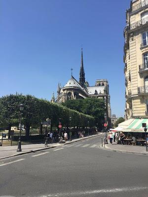 promenade à Paris