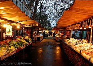 Pasar outdoor di Paris