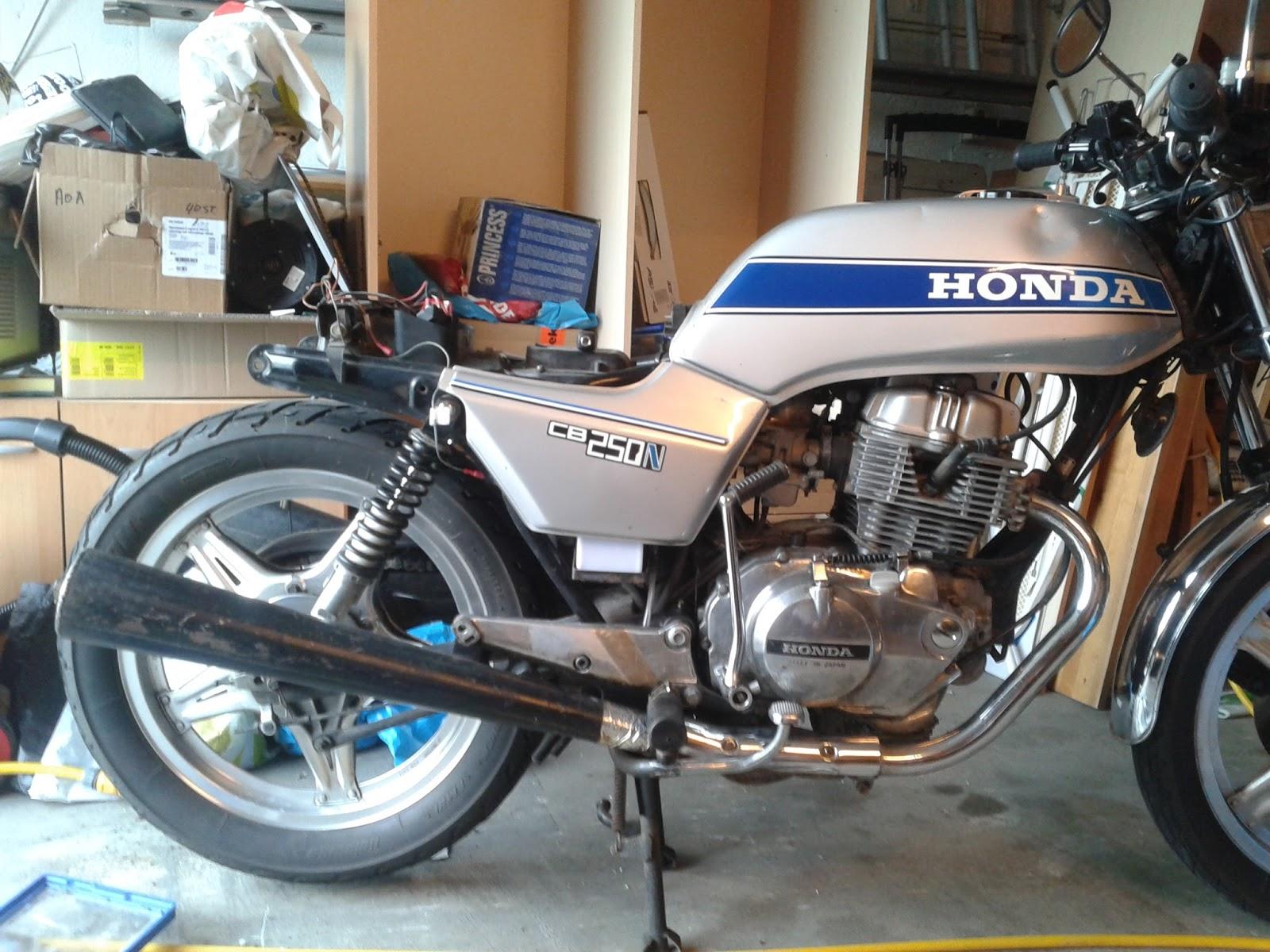 Honda CB 250 N Cafe Racer Project