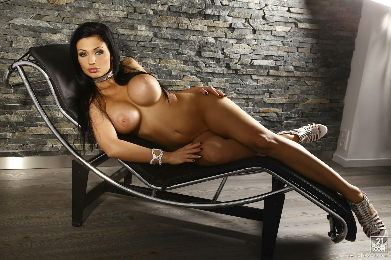 Aletta Ocean Pornstar Nude Sey Body Erotic Wallpaper