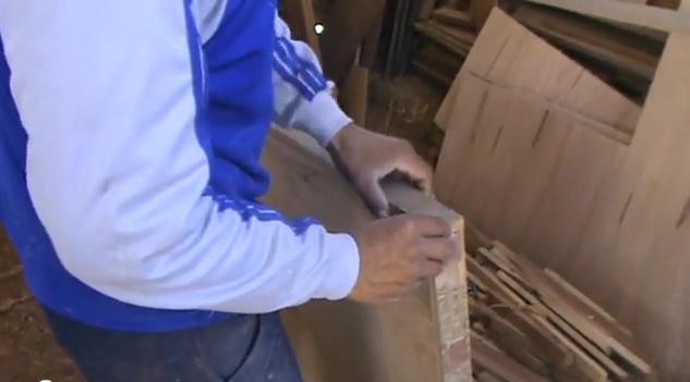 Como hacer una puerta de madera imagui for Como restaurar una puerta